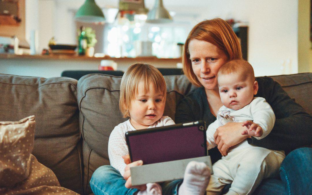 Władza rodzicielska (pozbawienie władzy) a obowiązek alimentacyjny – jak to wygląda?